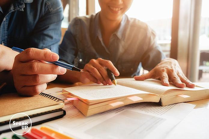 Nauka języka angielskiego online – wady i zalety