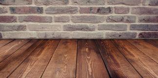 Jak wybrać deski na podłogę w salonie