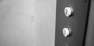 Kompleksowa obsługa wind osobowych i towarowych – przeglądy, serwis i wymiana części